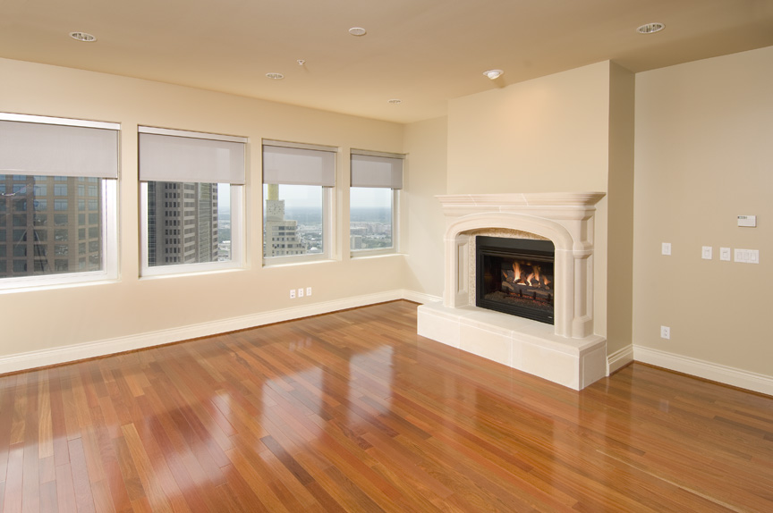 Downtown Dallas Penthouse High Rise Apartment With Hardwood Foors, Designer Kitchens & More.