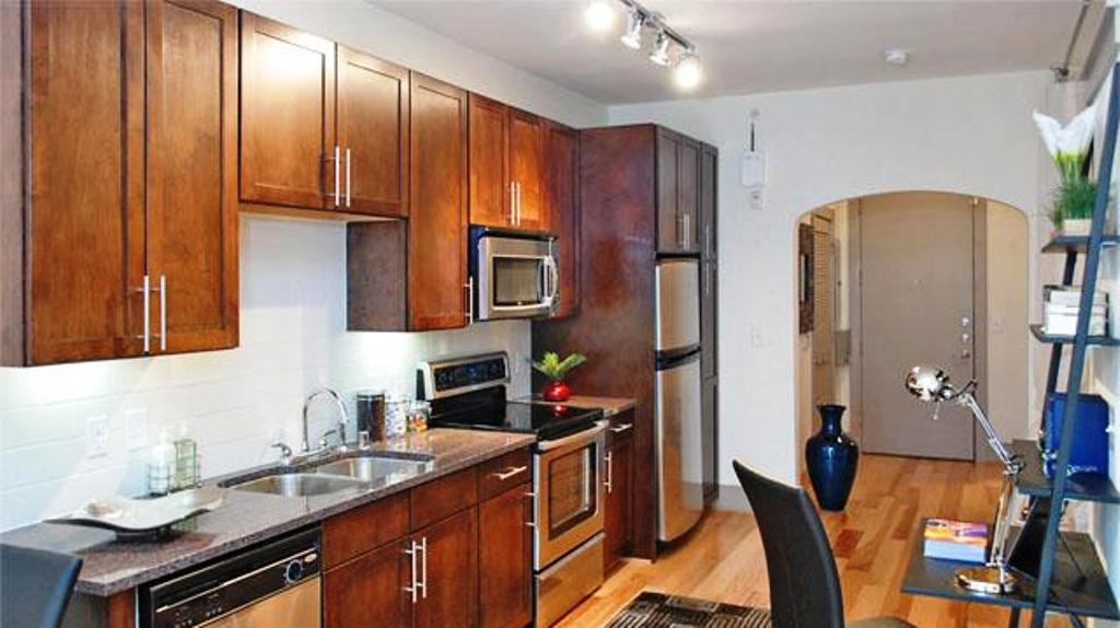 Dallas - West Village Apartments For Rent. Awesome Location!